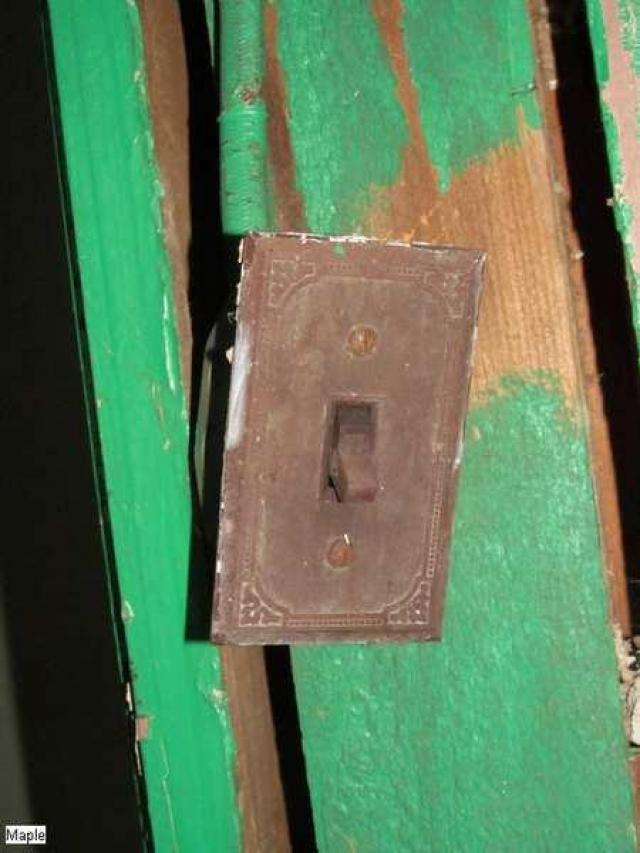 Before the boards - Christian-Hoover-House126.jpg