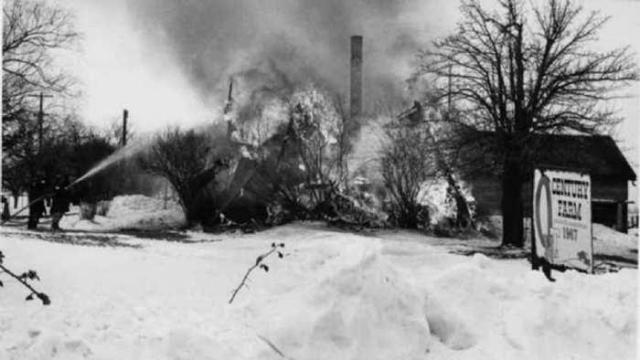 Ruins in Winter - 40-Years-After-the-Fire5.jpg