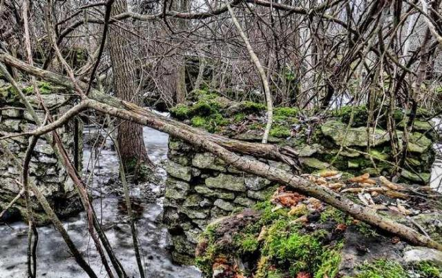 Ruins in Winter - 40-Years-After-the-Fire12.jpg