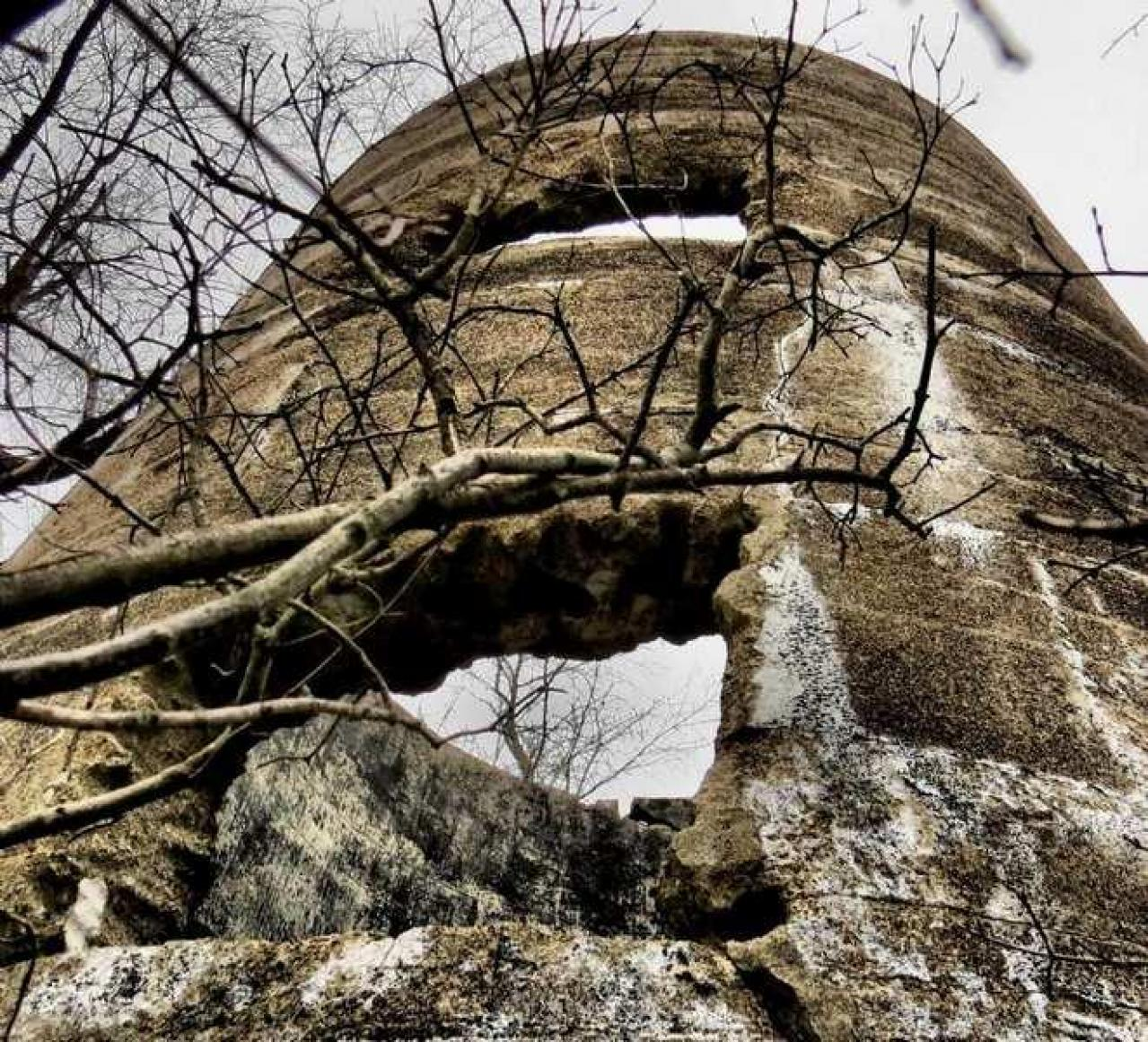 Ruins in Winter - 40-Years-After-the-Fire7.jpg