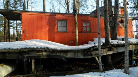 Red Caboose Cabin cover photo