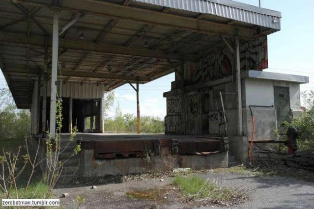In and out - Domtar-Loading-Bay26.jpg