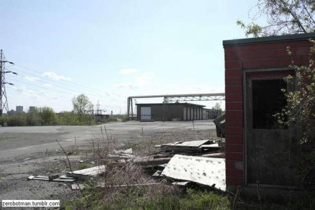 In and out - Domtar-Loading-Bay21.jpg