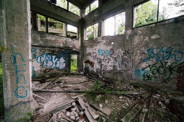 July 31, 2016 - Donald-(ghost-chemical-plant)60.jpg