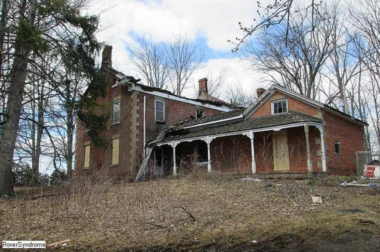 Revisit after arson - RussellChristie-House125.jpg