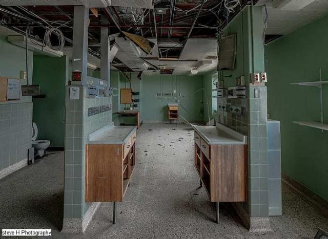 Watch out for that Dog - St-Catharines-General-Hospital248.jpg