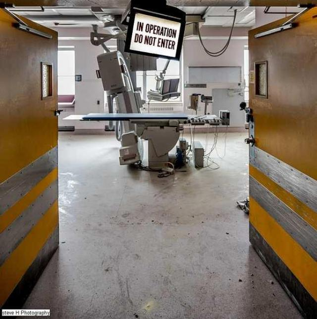 Watch out for that Dog - St-Catharines-General-Hospital249.jpg