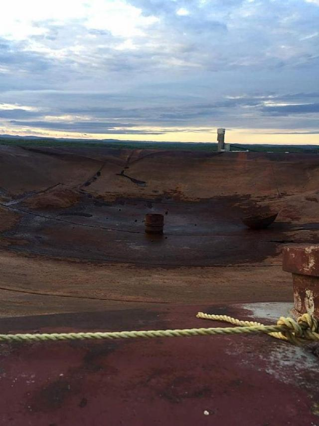 Abandoned compressed gas tower - Stobie-Compressed-Gas-Tank.7.jpeg