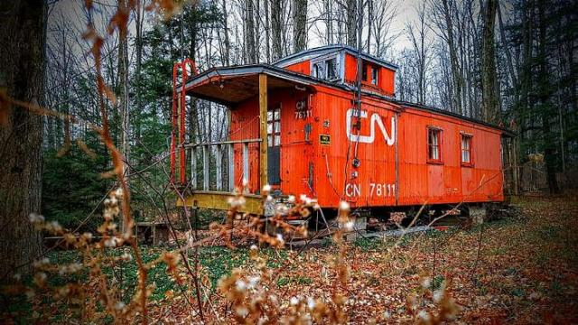 Lonely Caboose - Red-Caboose-Cabin14.jpg