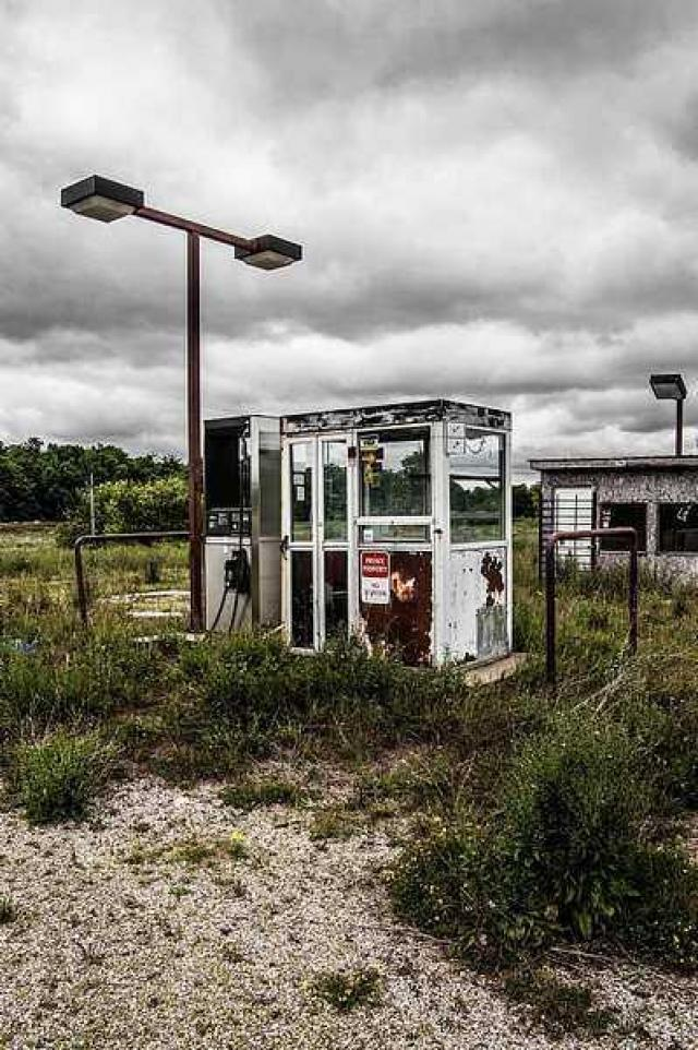 way home - Station-is-Closed12.jpg