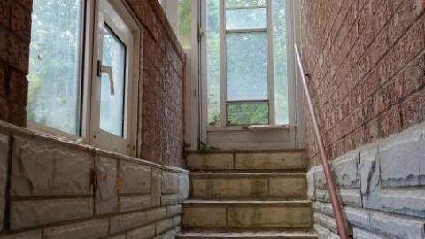 Scarlet O'Hara Staircase Mansion cover photo