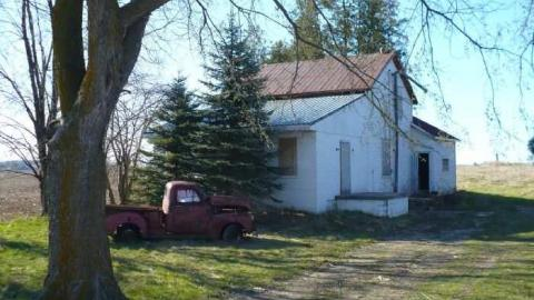 2 houses, 2 chevy cover photo