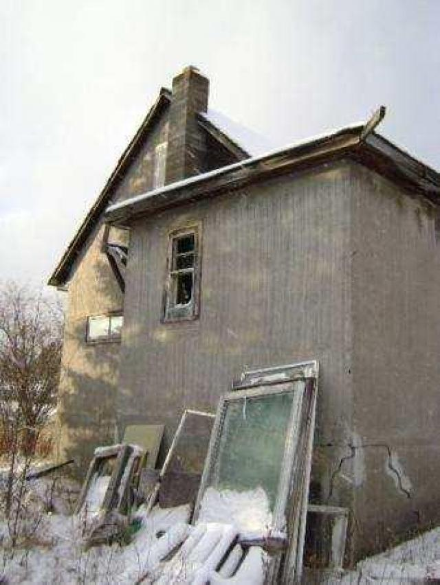 Gallery - Chelmsford-Abandoned-House2.jpg