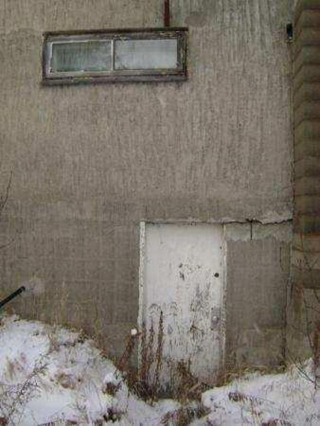 Gallery - Chelmsford-Abandoned-House3.jpg
