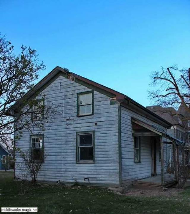 BAD ENd ? - Condemned-House-Baden4.jpg