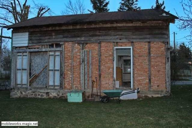 BAD ENd ? - Condemned-House-Baden5.jpg