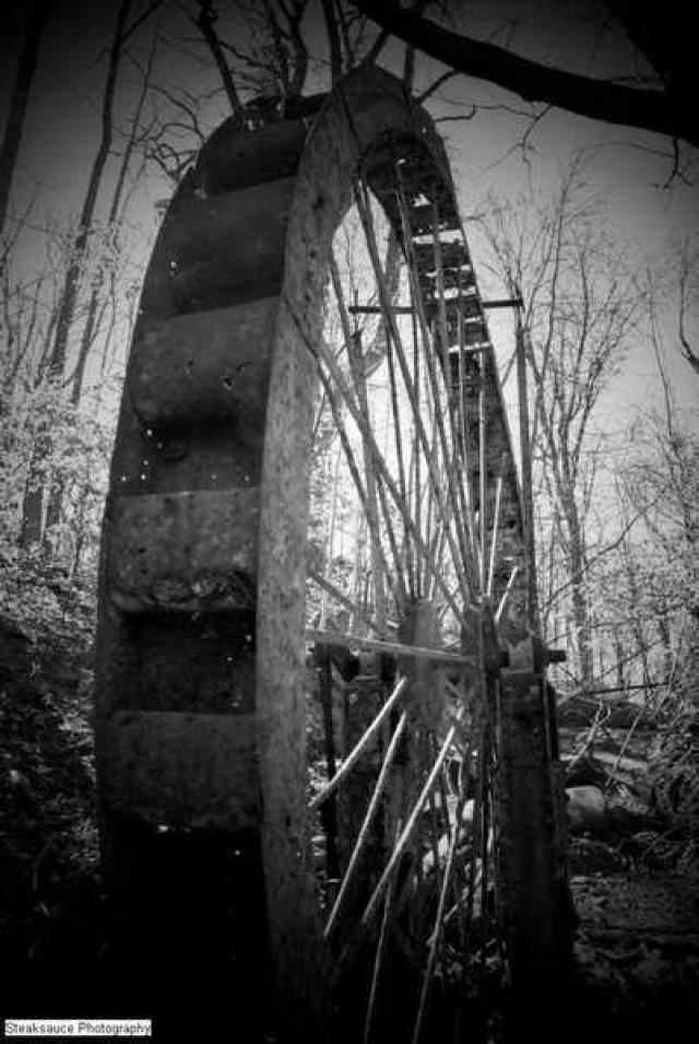 In the Mill of Nowhere - Abandoned-Water-Wheel1.jpg