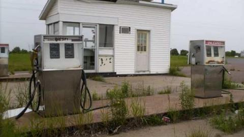 Abandoned Gas Station- Cobden cover photo